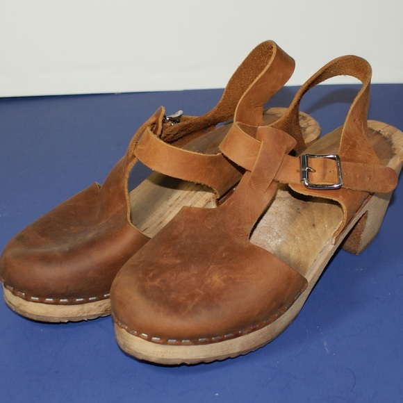 7a14732e2d4ec Lotta Shoes - Lotta from Stockholm US 8 1 2 Nubuck Brown Clogs